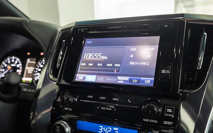 Toyota Alphard tại muaxegiabeo 12 - Toyota Alphard: giá xe và khuyến mãi tháng [hienthithang]