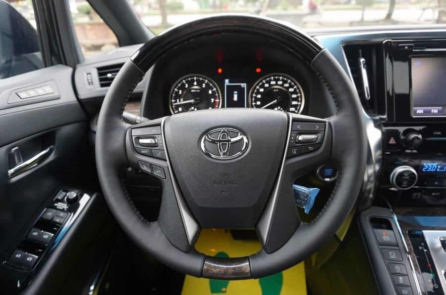 Toyota Alphard tại muaxegiabeo 22 - Toyota Alphard: giá xe và khuyến mãi tháng [hienthithang]