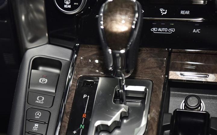 Toyota Alphard tại muaxegiabeo 26 - Toyota Alphard: giá xe và khuyến mãi tháng [hienthithang]