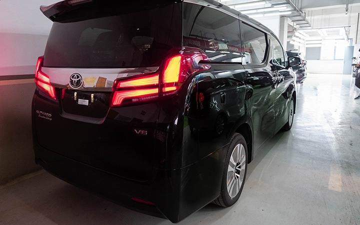 Toyota Alphard tại muaxegiabeo 6 - Toyota Alphard: giá xe và khuyến mãi tháng [hienthithang]