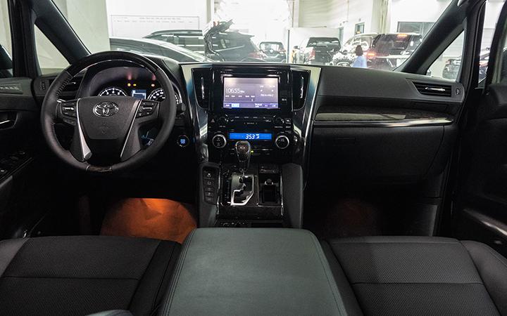 Toyota Alphard tại muaxegiabeo 7 - Toyota Alphard: giá xe và khuyến mãi tháng [hienthithang]