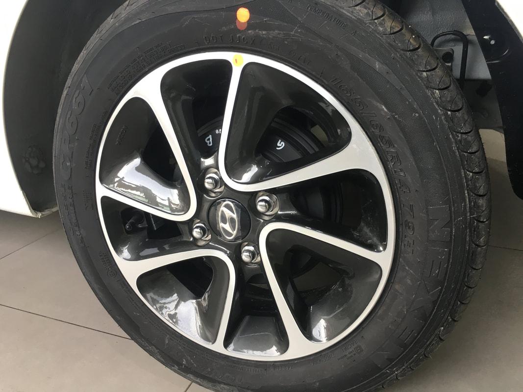 gia xe hyundai i10 lan banh tra gop 12 - Hyundai Grand i10: giá xe và khuyến mãi tháng [hienthithang]/[hienthinam]