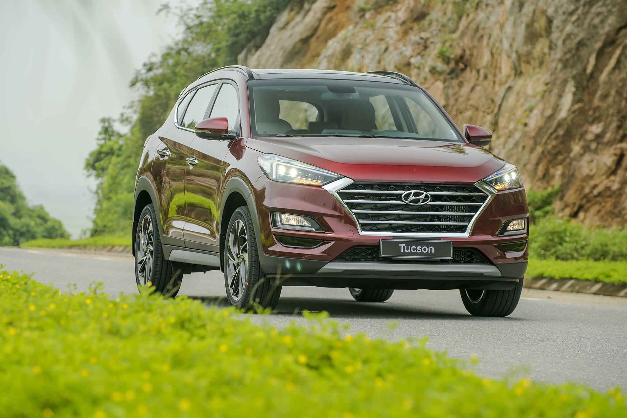 danh gia xe hyundai tucson 2019 tai muaxegiabeo 7 - Danh sách các hãng và Giá xe Ô Tô của năm [hienthinam]