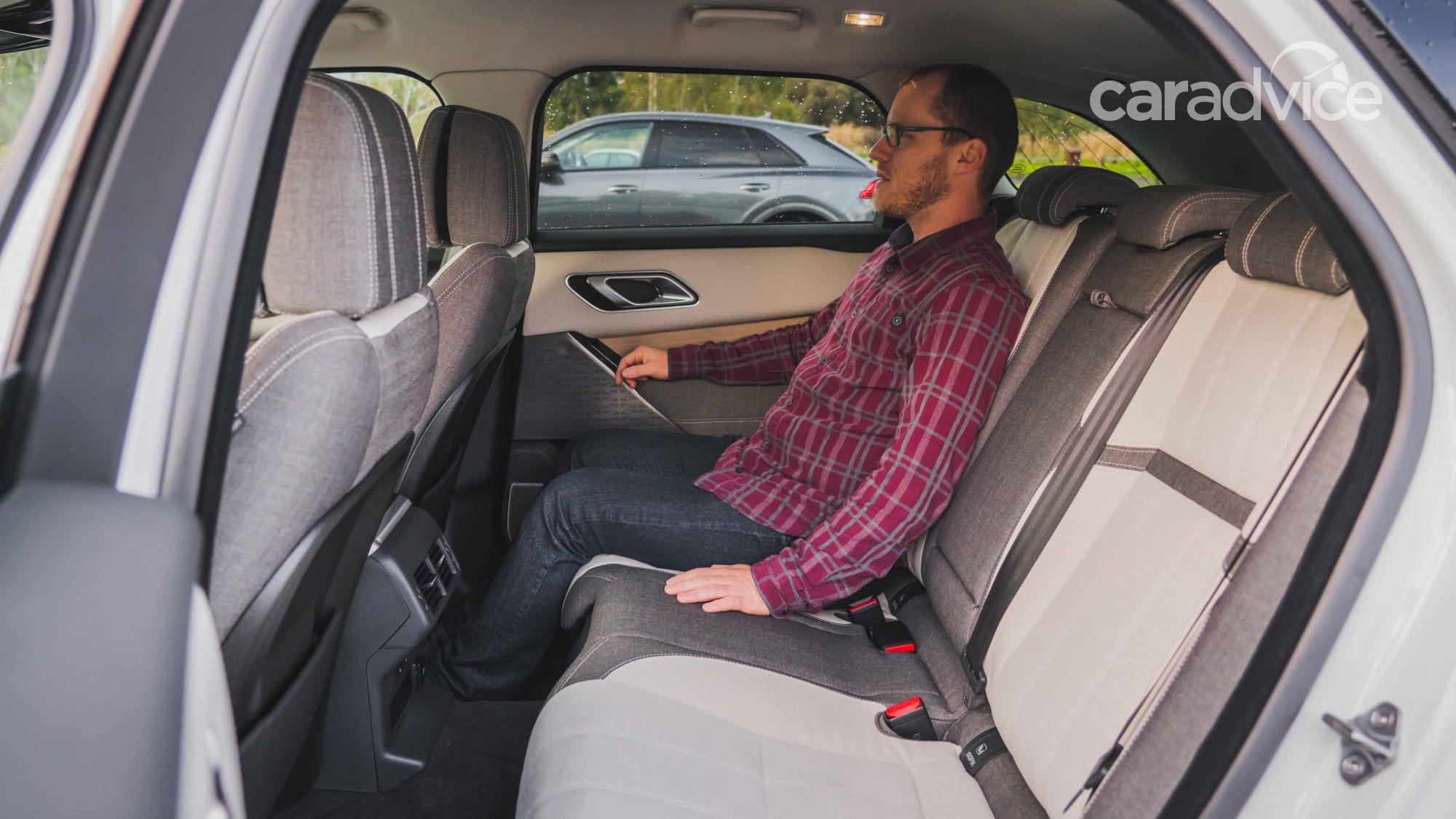 danh gia xe range rover velar tai muaxegiabeo 8 - Đánh giá xe Land Rover Velar [hienthinam]: Xứng danh ông hoàng