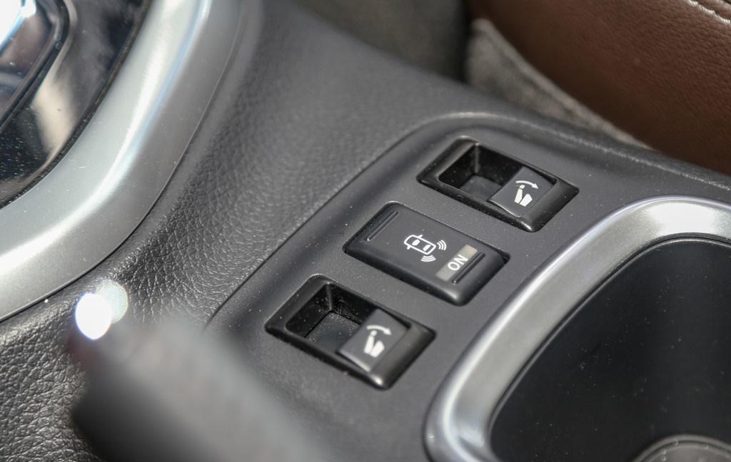 tai muaxegiabeo 27 - Nissan Terra [hienthinam]: giá xe và khuyến mãi tháng [hienthithang]