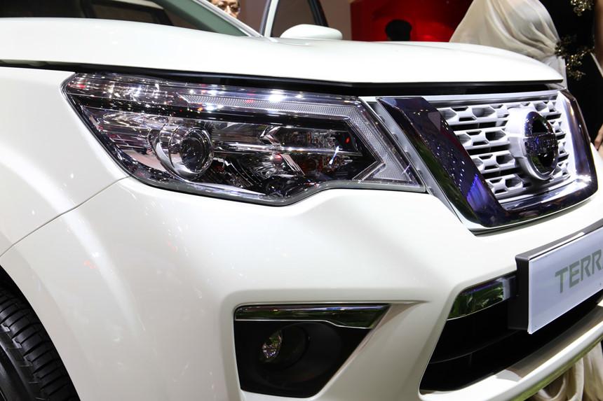 tai muaxegiabeo 3 - Nissan Terra [hienthinam]: giá xe và khuyến mãi tháng [hienthithang]