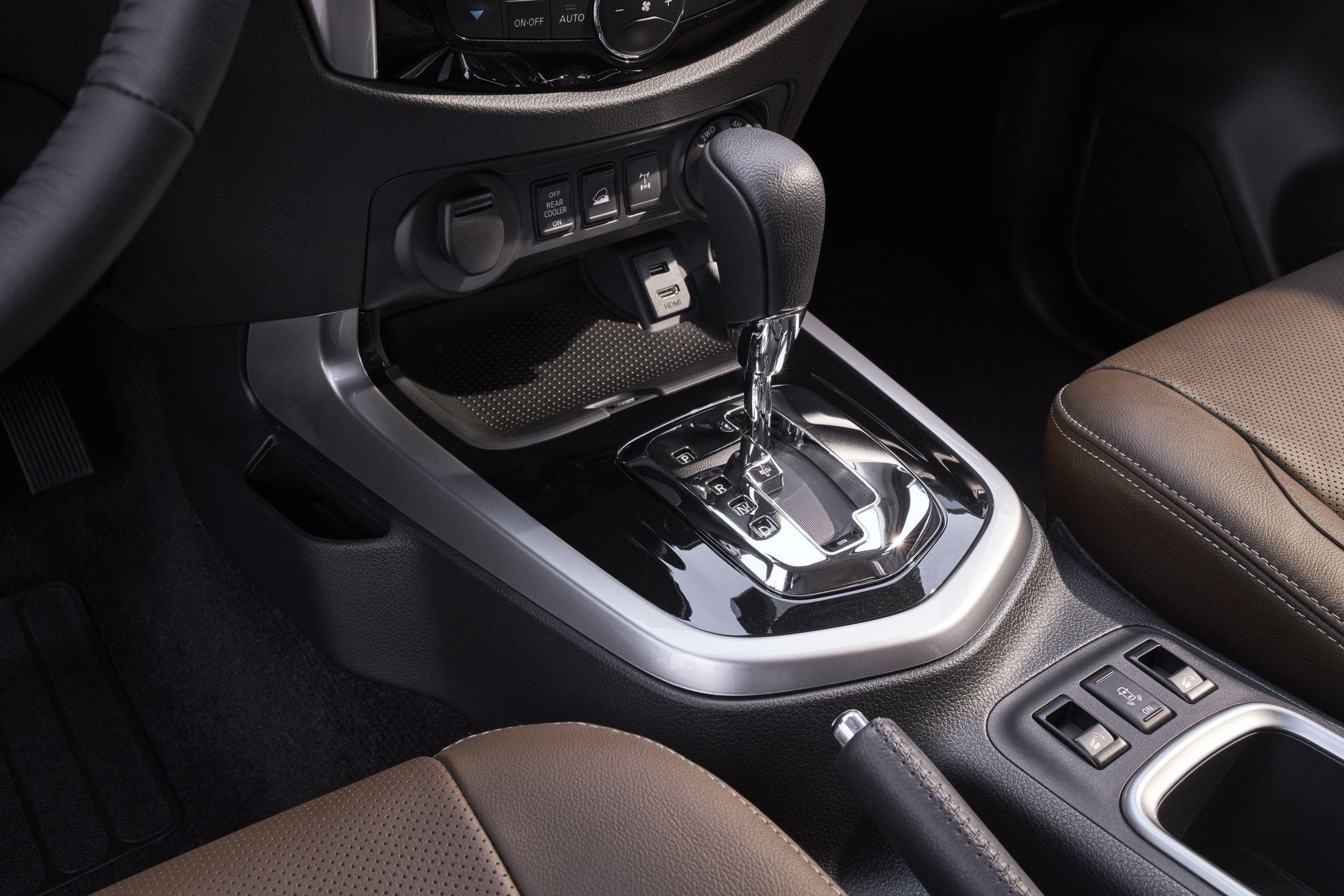 tai muaxegiabeo 40 - Nissan Terra [hienthinam]: giá xe và khuyến mãi tháng [hienthithang]