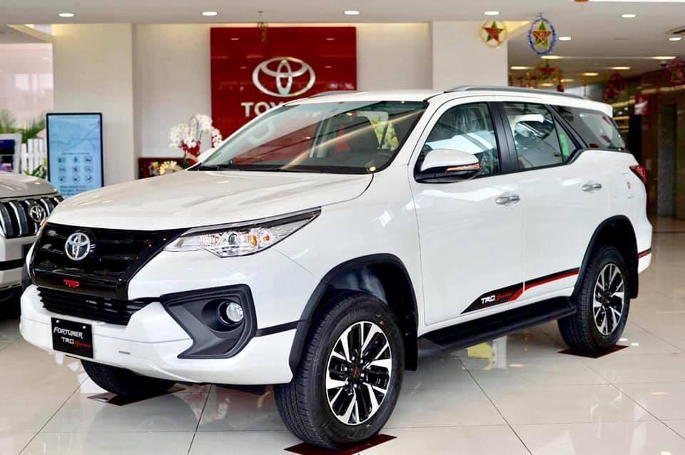Xe Toyota Fortuner TRD 2019 tai muaxegiabeo 10 - Fortuner TRD [hienthinam]: giá xe và khuyến mãi mới