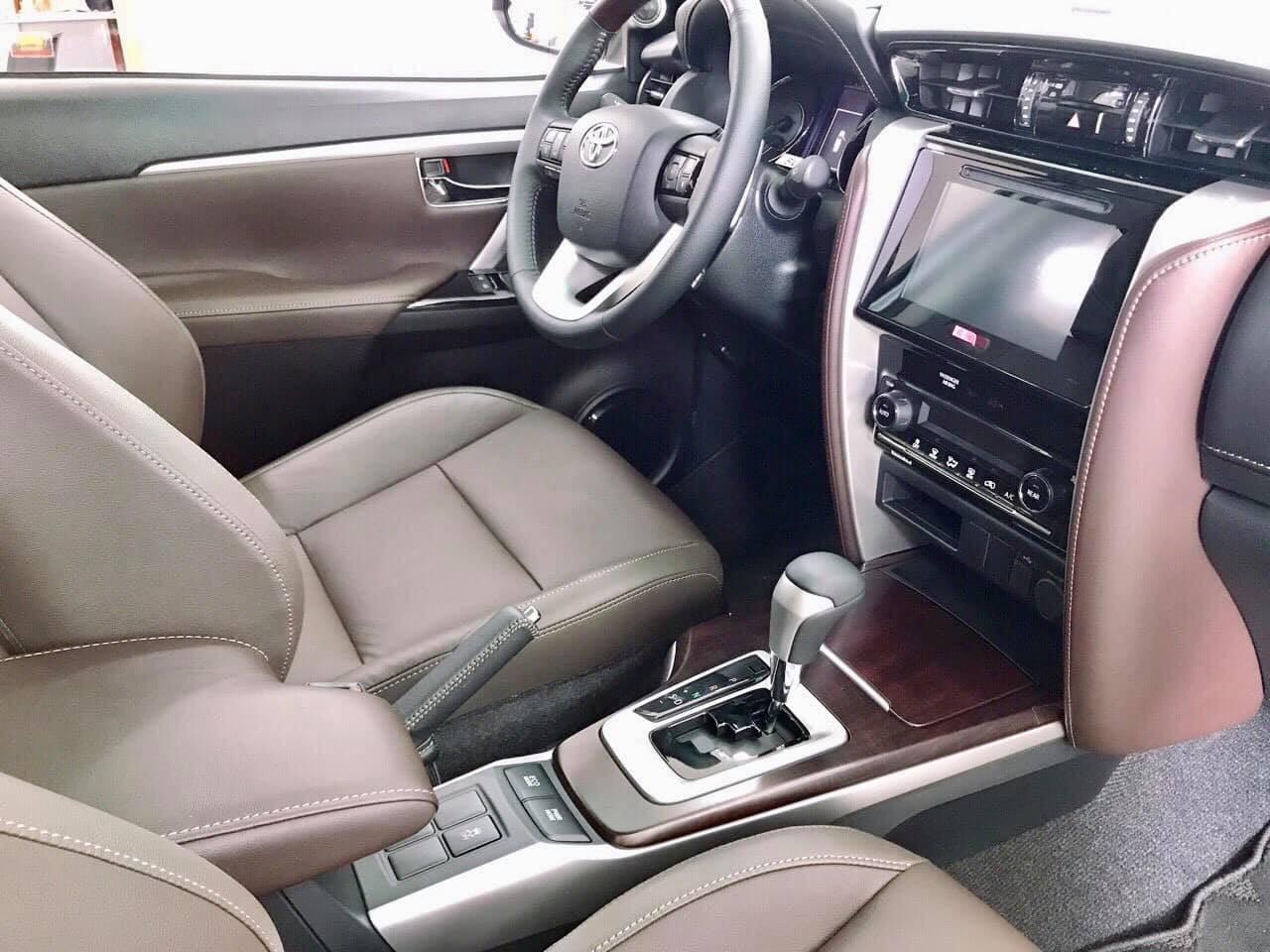 Xe Toyota Fortuner TRD 2019 tai muaxegiabeo 4 - Fortuner TRD [hienthinam]: giá xe và khuyến mãi mới