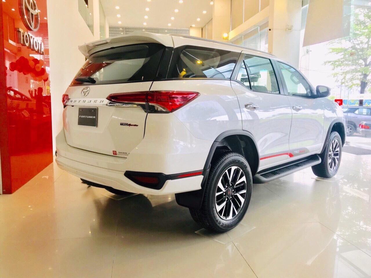 Xe Toyota Fortuner TRD 2019 tai muaxegiabeo 7 - Fortuner TRD [hienthinam]: giá xe và khuyến mãi mới