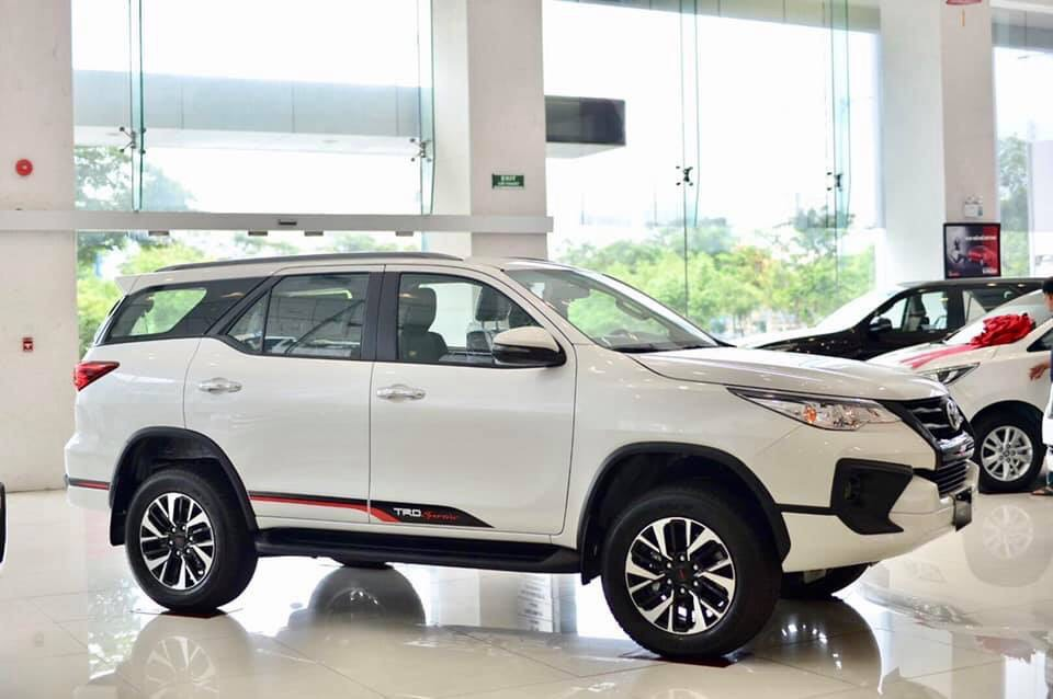 Xe Toyota Fortuner TRD 2019 anh 8