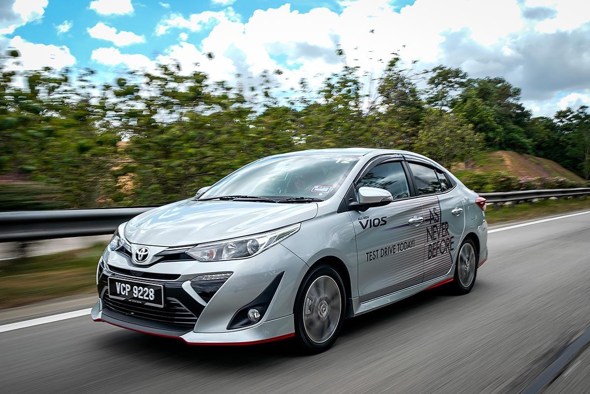 danh gia xe toyota vios 2020 tai muaxegiabeo 15 - So sánh xe Vios và Mazda 3: Ăn chắc mặc bền hay tiện nghi công nghệ