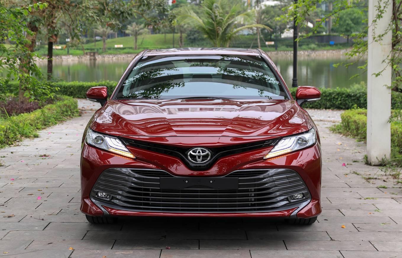 danh gia xe toyota camry 2020 anh 05 - Camry 2020: giá xe và khuyến mãi tháng [hienthithang]
