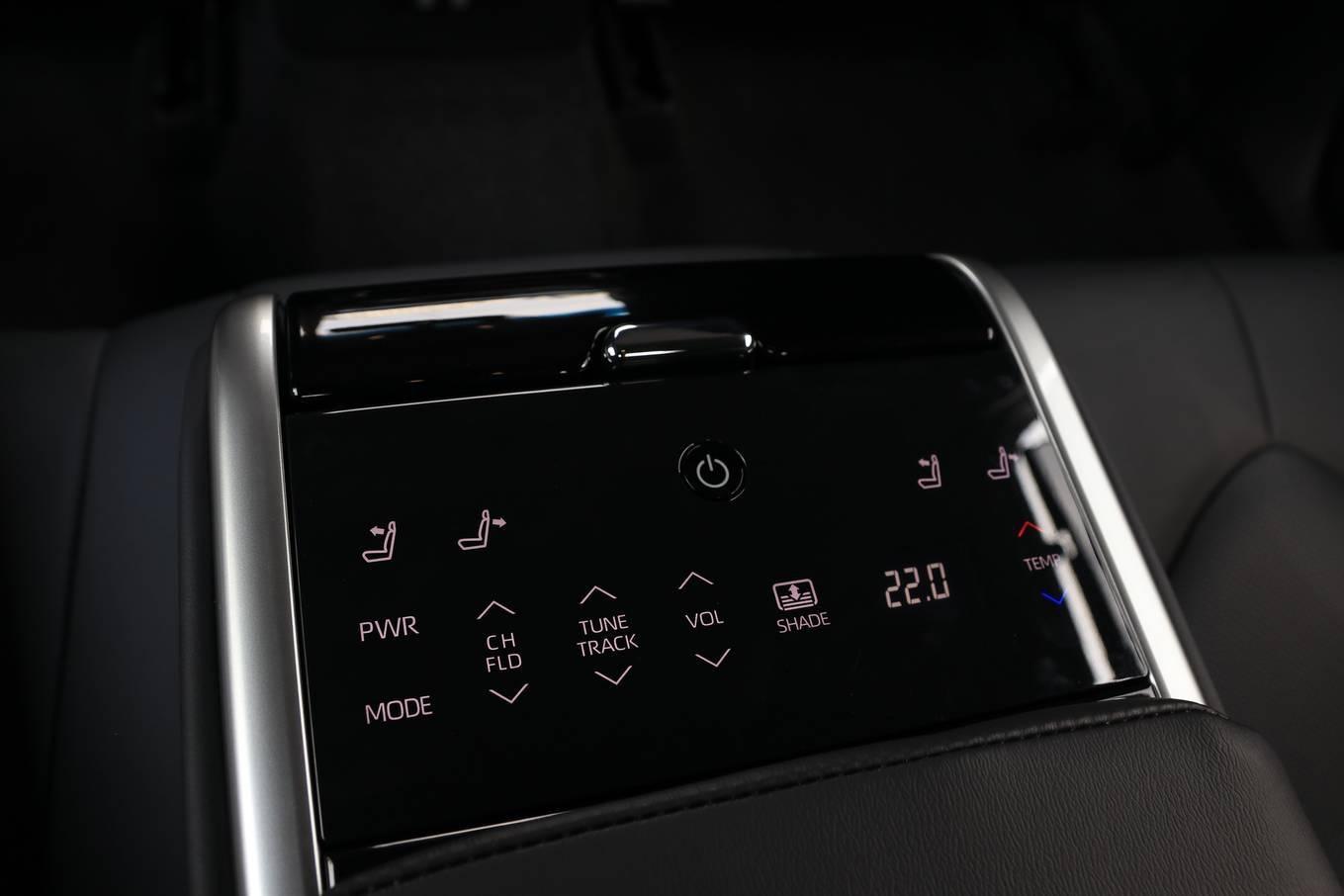 danh gia xe toyota camry 2020 anh 09 - Camry 2020: giá xe và khuyến mãi tháng [hienthithang]