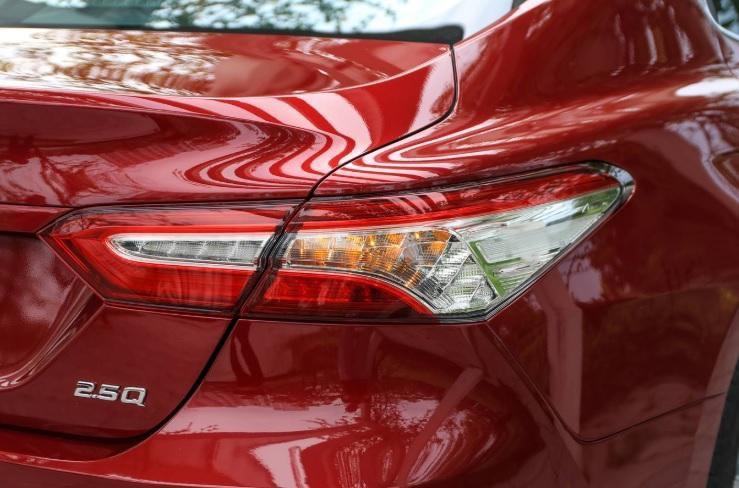 danh gia xe toyota camry 2020 anh 15 - Camry 2020: giá xe và khuyến mãi tháng [hienthithang]