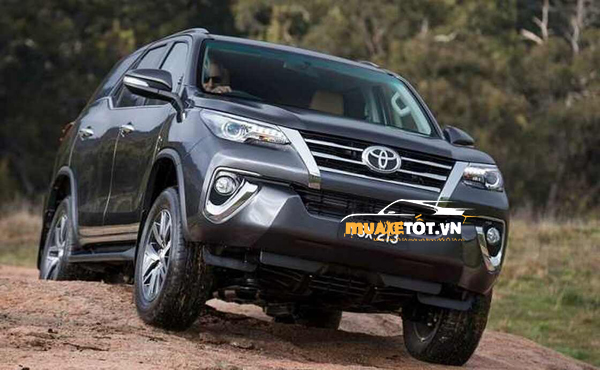 danh gia xe toyota Fortuner 2020 anh 15