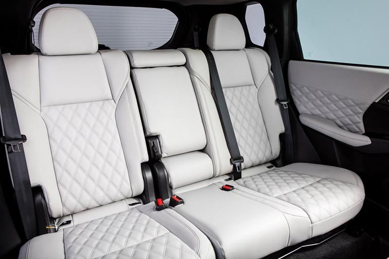 Mitsubishi Outlander 3 - Mitsubishi Outlander [hienthinam]: thông số, giá xe & khuyến mãi tháng [hienthithang]