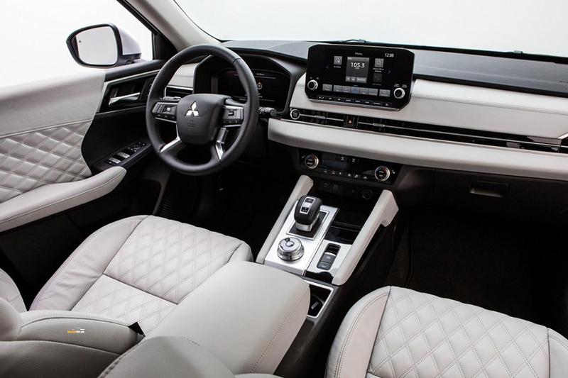 Mitsubishi Outlander 5 - Mitsubishi Outlander [hienthinam]: thông số, giá xe & khuyến mãi tháng [hienthithang]