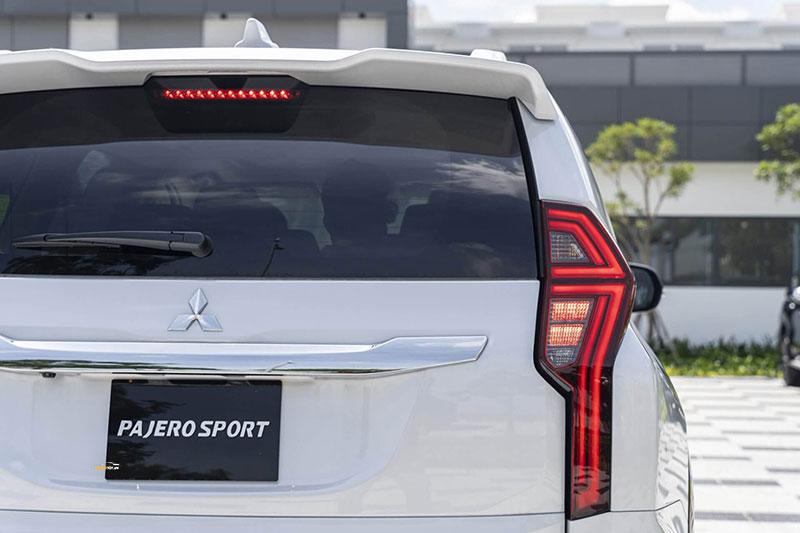 Mitsubishi Pajero Sport 6 - Mitsubishi Pajero Sport [hienthinam]: thông số, giá xe & khuyến mãi tháng [hienthithang]